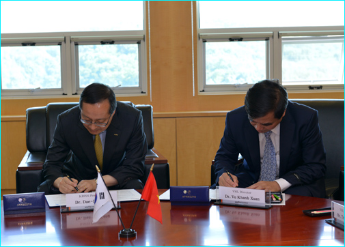 Signing Ceremony of the Memorandum of Understanding between Vietnam Metrology Institute (VMI) and Korea Research Institute of Standards and Science (KRISS) period 2013 - 2018
